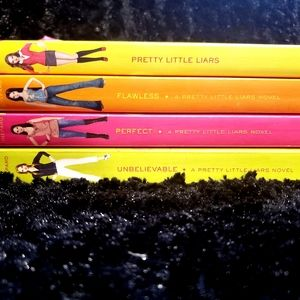 Other - Pretty Little Liars 4 book set